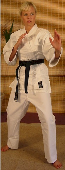 White Karate Poly/Cotton Gi 7oz 00/120